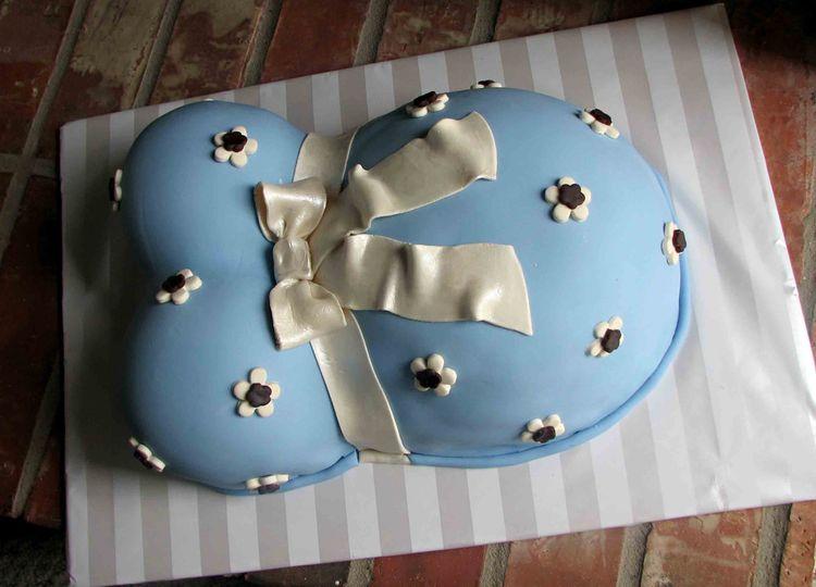 Cake Ideas For Baby Boy Shower : Blue baby shower cake