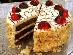Carrot cake with strawberries