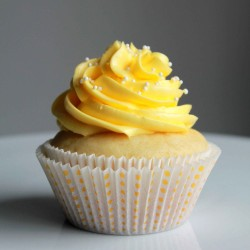 Cupcake with lemon buttercream frosting
