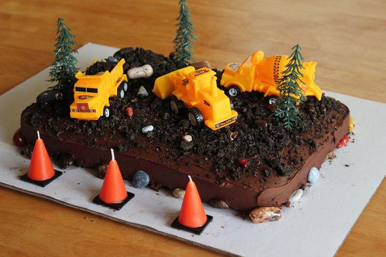 Dirt cake decorations