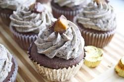 Oreo crumbs cupcakes