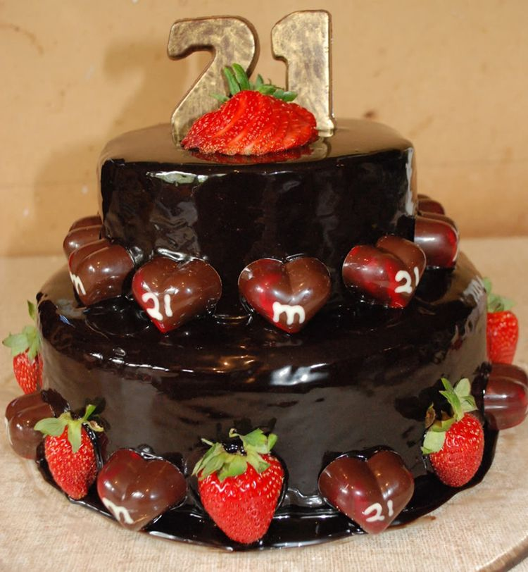 how to make chocolate strawberry cake