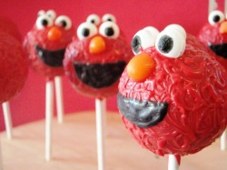 Sweet Elmo cake pops