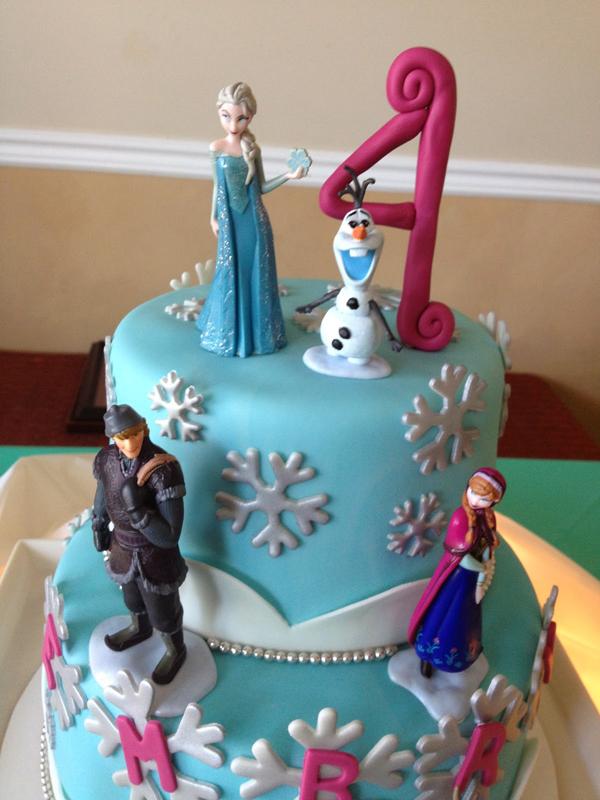 Birthday cake with Elsa