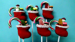 Cake pops – Santa socks