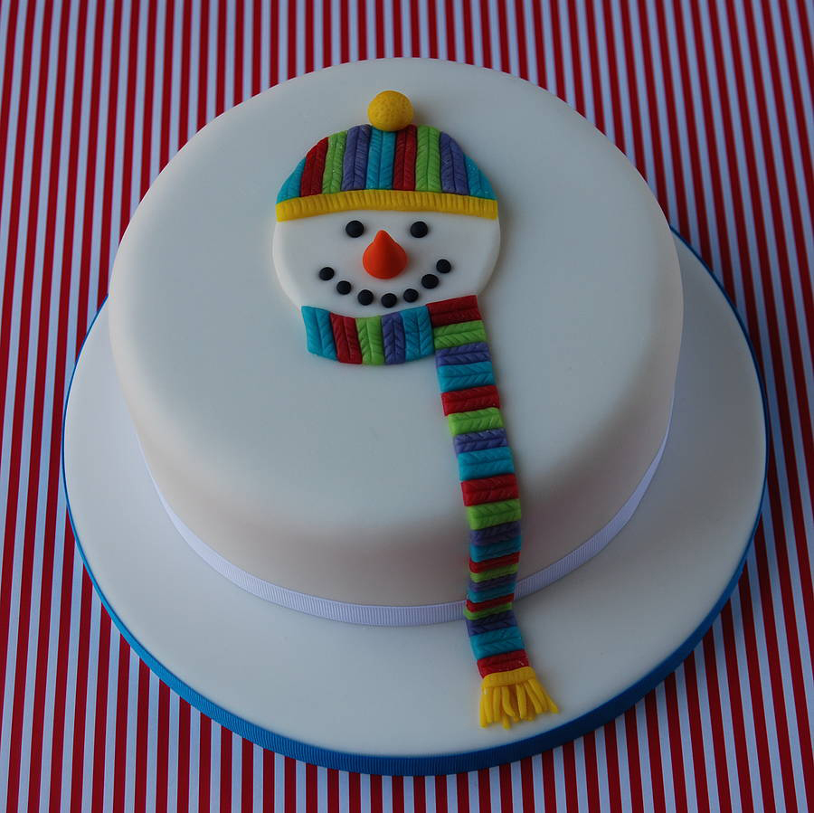 Simple Cake Decoration For Christmas : Christmas cake with snowman