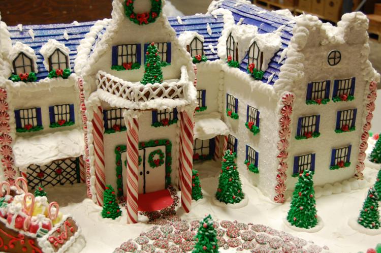 Christmas gingerbread house idea