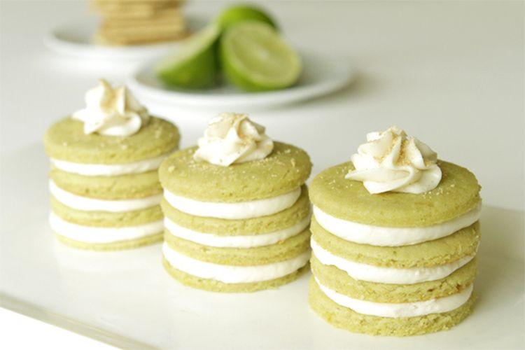 Mini key lime cakes