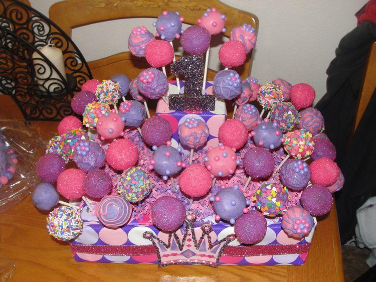 Violet Birthday Cake Pops - Cake pop birthday cake