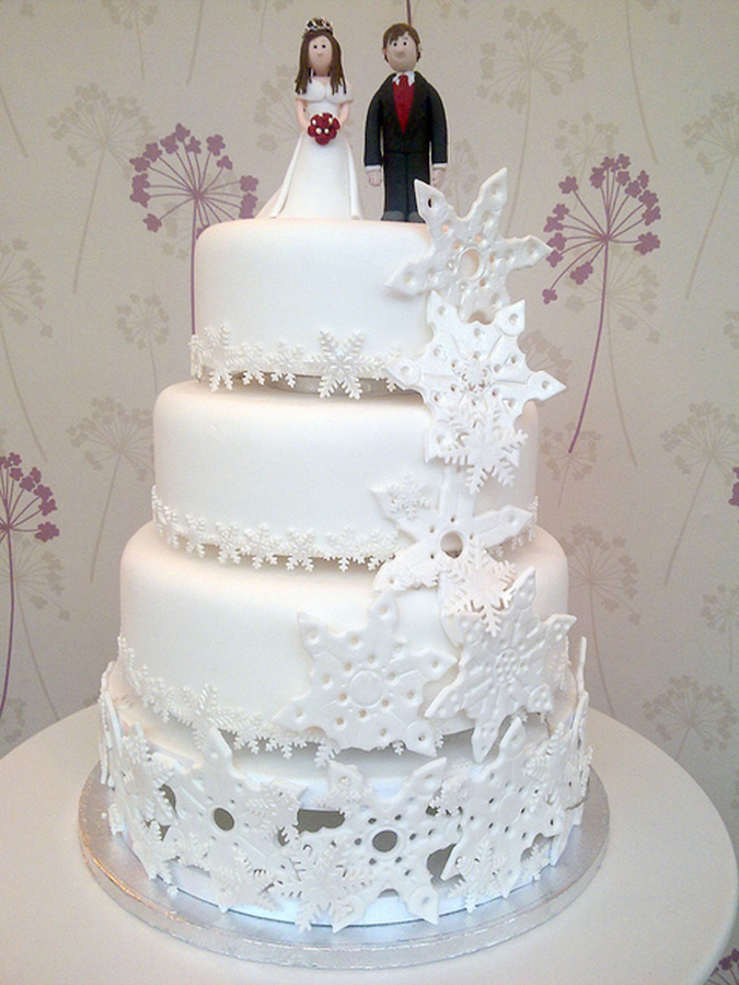winter wedding cakes pictures winter wedding cake with snowflakes 27563