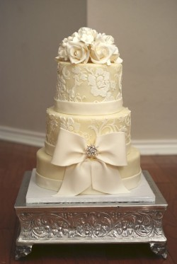 Winter white Wedding cake