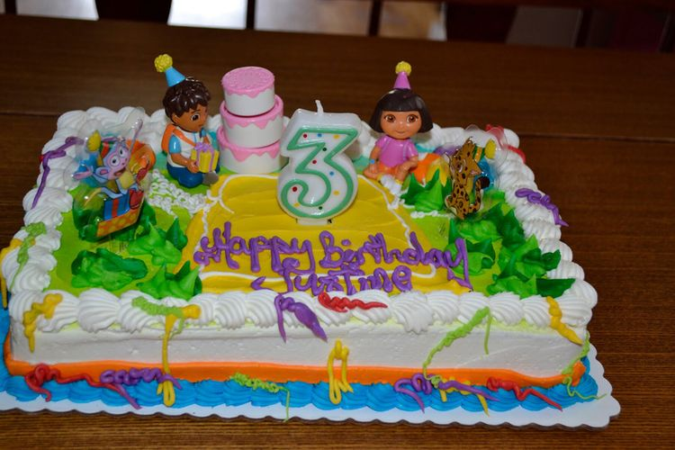 3td Birthday cake with Dora