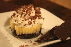 Cheesecake cupcakes with chocolate