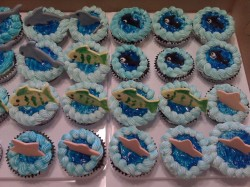 Cupcakes with little fish