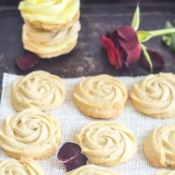 Spritz cookies – roses