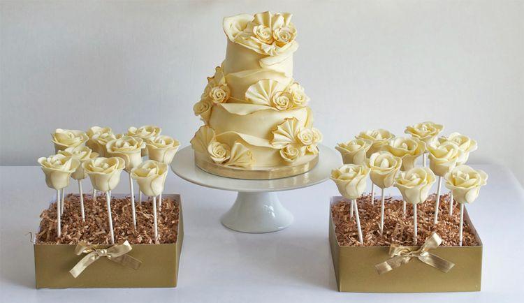 Wedding cake pops – roses