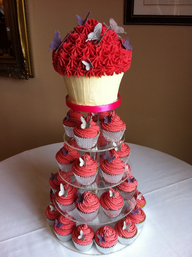 Cake Design Bakery : Wedding giant cupcake