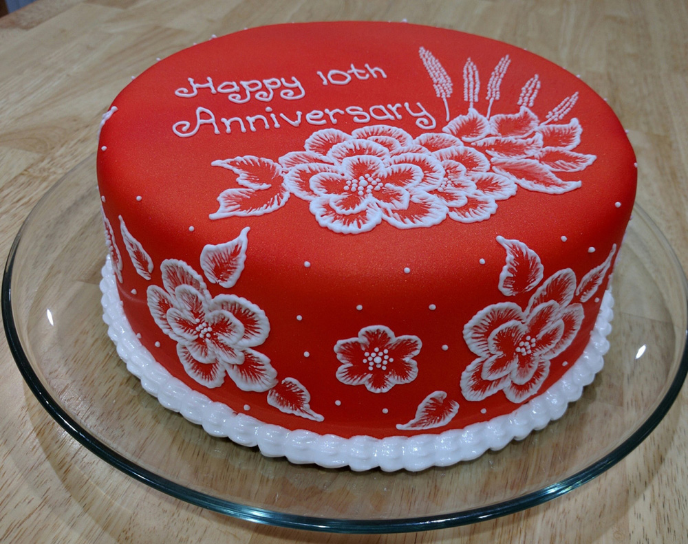 Cake Pics For Marriage Anniversary : 10th Anniversary cake