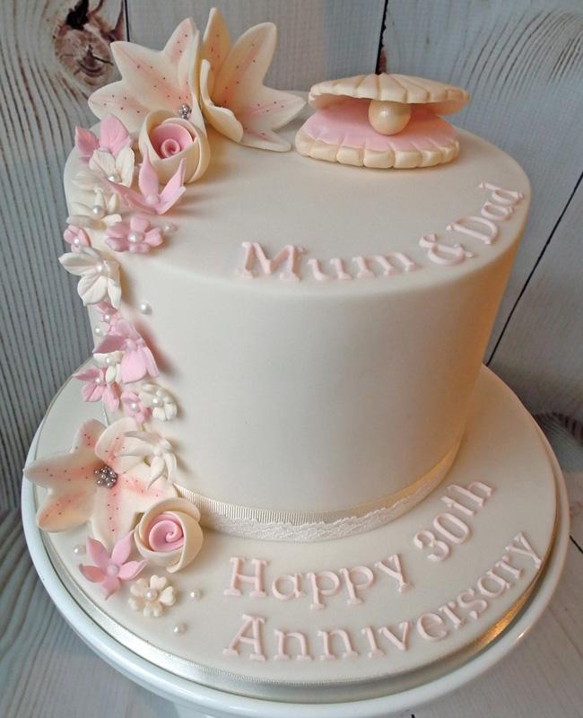 Beautiful pearl wedding cake