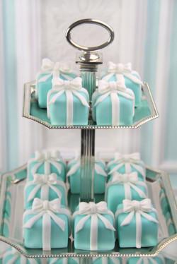 Blue mini cakes