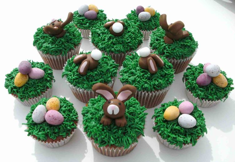 Easter cupcakes – bunnies in the grass