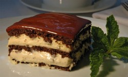 Eclair cake with mint