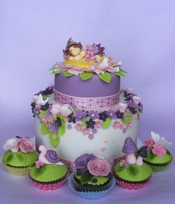 Fairy cake with cupcakes