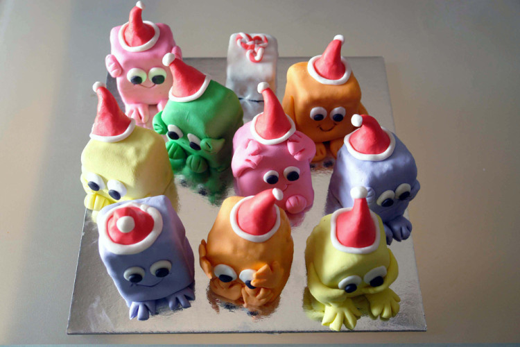 Mini cakes for kids
