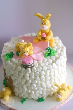 Small Easter cake with bunnies