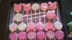 Oreo pops, cookie pops, minnie mouse cookie pops, gotcakes_ want cakes miri bakes