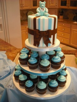 Baby shower cupcakes tower