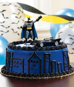 Batman cake with car