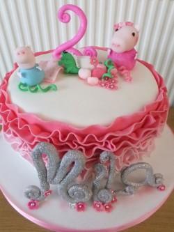 Rufle Peppa pig cake