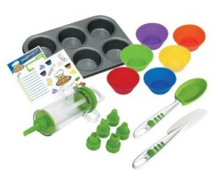 16-Piece Cupcake and Decorating Kit