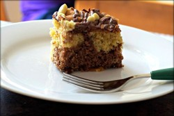 Marble cake with tea