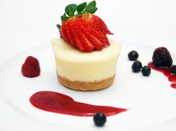 Mini cheese cake with strawberry