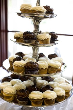 Sweet wedding cupcakes