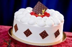 Vanilla Mousse cake