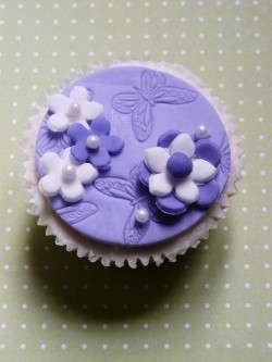 Violet wedding cupcake