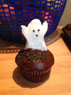 Birthday Cupcake Ghost