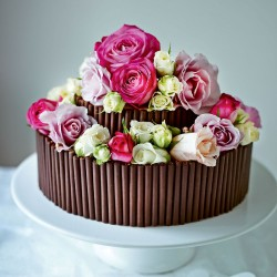 Chocolate Cake with Fresh Roses