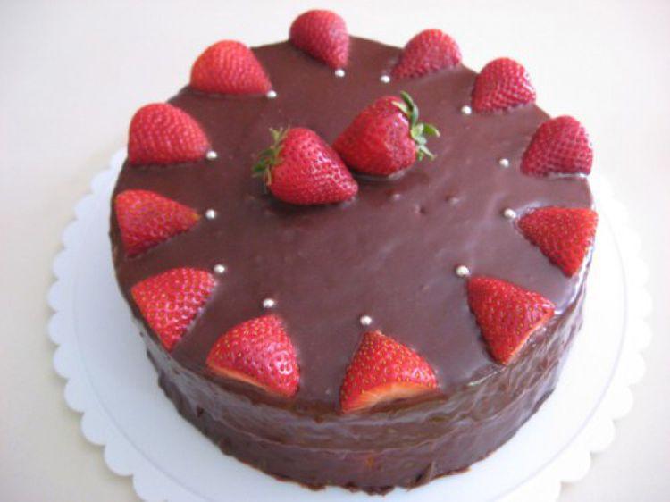 Chocolate Strawberry Cake Images : Chocolate Strawberry cake
