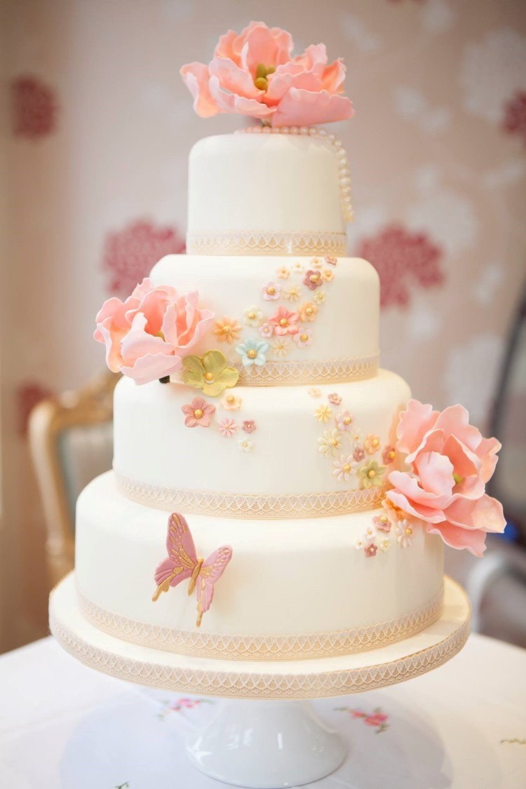 Cute Elegant Wedding Cake