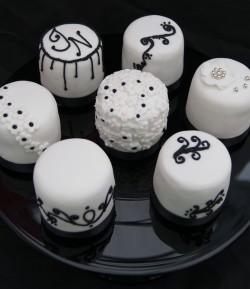 Mini Black and White Cakes