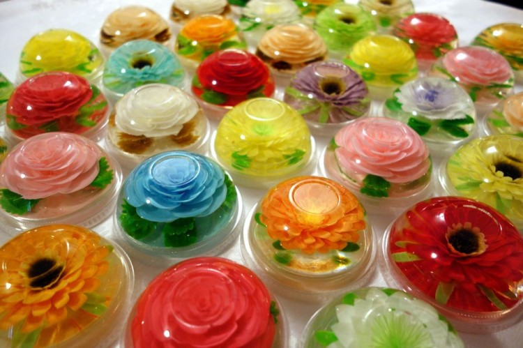 Mini jello cake