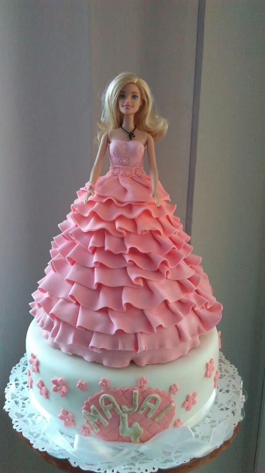 A Barbie Wedding Cake