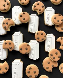 Sugar cookies – milk and cookies