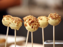 Cake Pops with Pumpkin