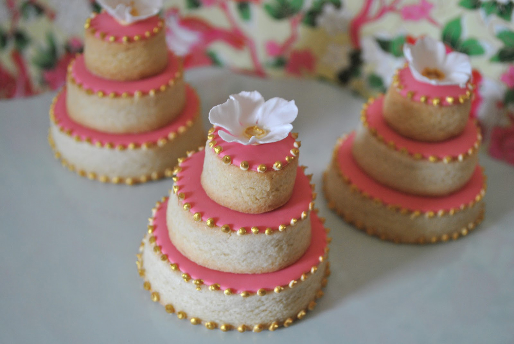 mini wedding cake cookies recipe pink mini cakes 17413