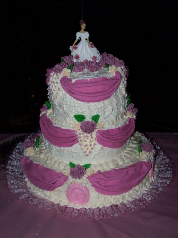 Cake Decorating Ideas For Quinceanera : Pink Quinceanera Cake